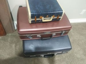 50$ all suitcases for Sale in Carson, CA