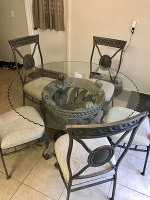 Kitchen Glasstop table with five dining chairs for Sale in Winter Haven, FL