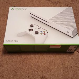 Xbox one 150$ comes with Minecraft for Sale in New York, NY
