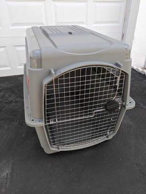 "Petmate Sky Kennel 36"" L x 27"" H for Sale in Boca Raton, FL"