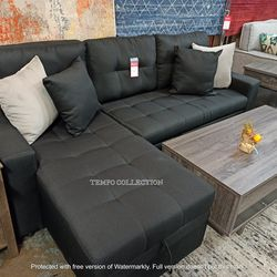 CLEARANCE,PULL OUT SECTIONAL, MEDIUM SIZE, BLACK. for Sale in Santa Ana,  CA