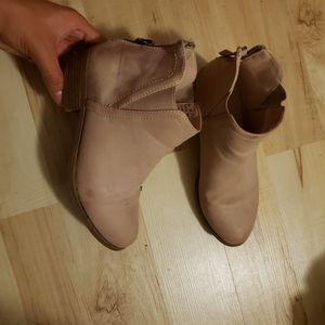 Girls boots sz 3 for Sale in West Palm Beach, FL