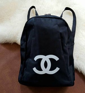 New beauty vip backpack for Sale in Tucson, AZ