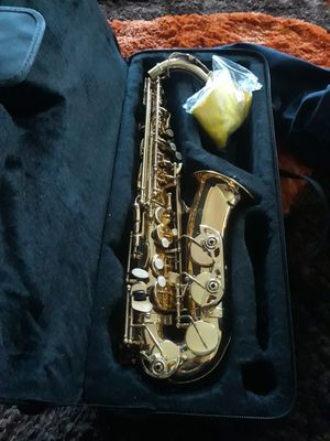 Fever alto saxophone brand new never played with case for Sale in Los Angeles, CA