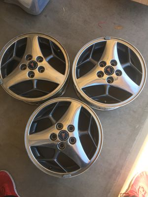 Pontiac Grand Prix GT or Grand Prix Pace car rims. for Sale in Payson, AZ