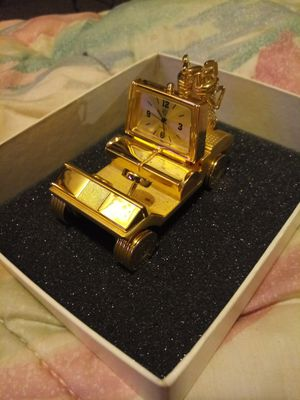 Electroplated Gold Golf Cart for Sale in Eldersville, PA
