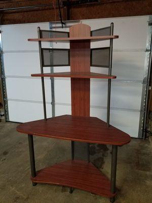 Nice corner desk for Sale in Mantua, OH