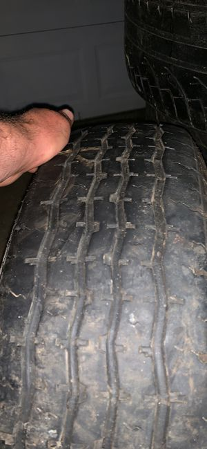 225 75 15 trailer tire one single for Sale in Brook Park, OH