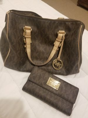 MK Purse and Wallet w/dust bag for Sale in Dallas, TX