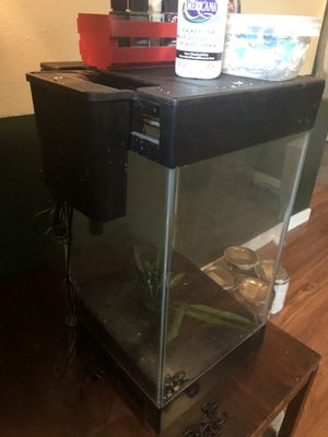 15 gallon glass aquarium with light and filter for Sale in Denver, CO