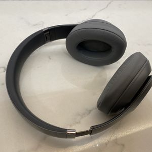 Beats by Dr. Dre - Studio 3 Wireless Noise Cancelling for Sale in Tampa, FL
