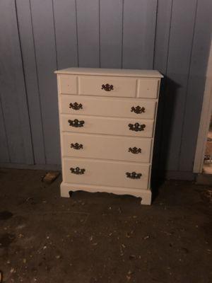 Vintage White Solid Oak 4 Drawer Bedroom Dresser for Sale in Fresno, CA