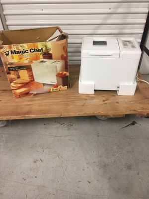 Magic Chef 1.5 lbs Bread Maker for Sale in McKees Rocks, PA