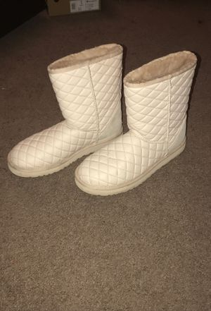 Women's Quilted UGG Boots for Sale in Cleveland, OH