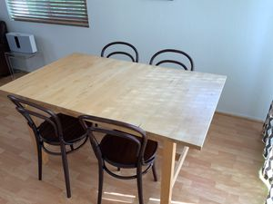 Free Kitchen table seats 4-6 people for Sale in Irvine, CA