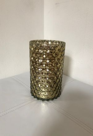 Gold vase for Sale in Chicago, IL