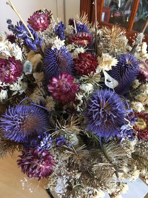 Beautiful Dried Flower Bouquet in Vase for Sale in SeaTac, WA