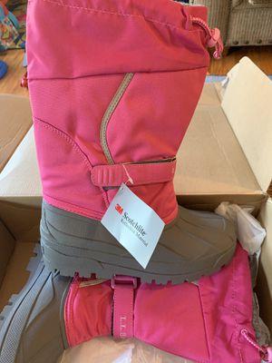 LL Bean girls pink&grey snow boots for Sale in Woodbridge, VA