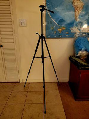 Sunpak 5858D Black DSLR Camera Tripod Adjustable Stabilizer Stand for Sale in Verona, PA
