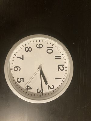 Wall clock (batteries included) for Sale in Washington, DC