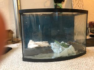 36 gallon bow fish tank w/stand, canister filters, lights, decor, and more for Sale in Parker, CO