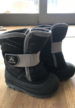 Kamik after ski boots size 5 toddler for Sale in Houston, TX