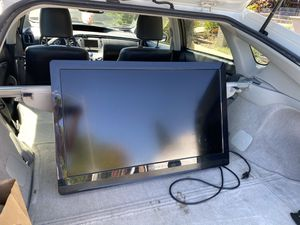 32 Inch Dynex TV W/ wall mount for Sale in San Diego, CA