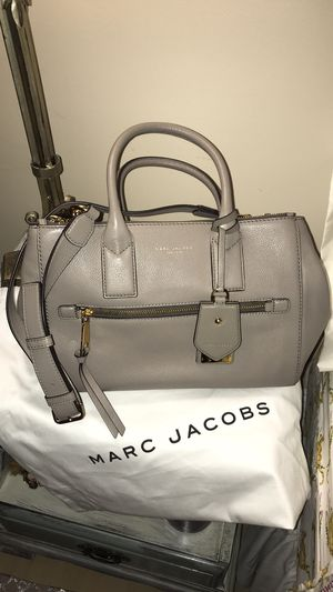 Marc Jacobs brand new with tag messenger bag/tote for Sale in Miami, FL