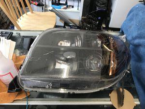 06/08 Honda Pilot eom headlights new box for Sale in Boston, MA