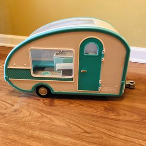 Lori Dolls Roller Glamper RV Camper for 6-inch Mini Dolls - Working Light! for Sale in Boynton Beach, FL