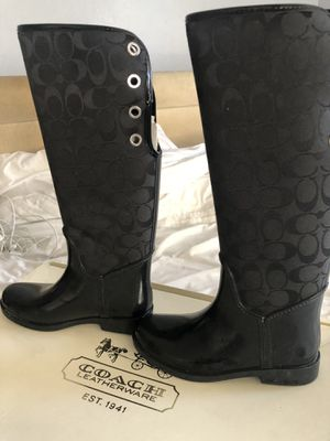 Rain boots size 5 girls for Sale in Sylmar, CA