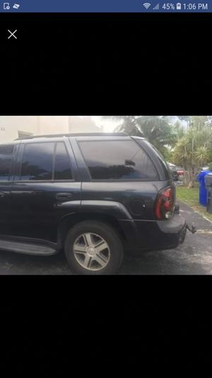 Chevy Trail Blazer 2005 for Sale in Pembroke Park, FL