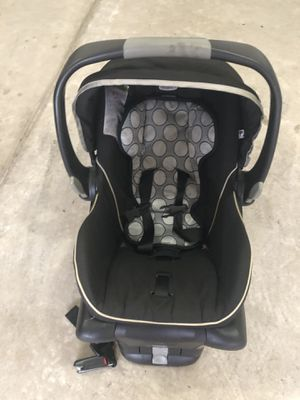 Infant rear facing car seat for Sale in Columbia, SC