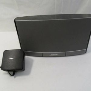 Bose SoundDock Portable Rechargeable Digital Music System. I Give Free Bluetoooth Adapters for Sale in Los Angeles, CA