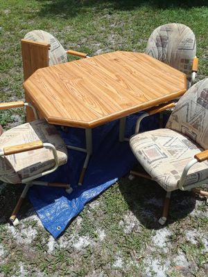 Kitchen table + 4 chairs for Sale in Odessa, FL