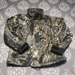 Browning mossy rock large goretex hunting jacket large for Sale in Tacoma, WA
