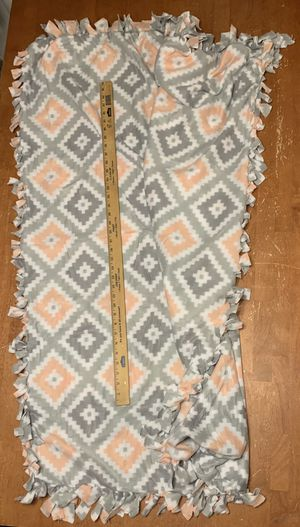Throw blanket. Almost big enough for a twin size bed for Sale in Everett, WA