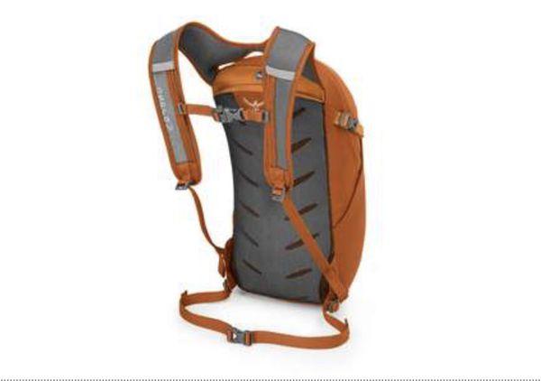 Osprey daylite daypack backpack for hiking