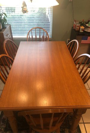 Oak Kitchen Table w 6 chairs for Sale in Winter Springs, FL