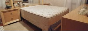 Queen bed for Sale in Northbrook, IL
