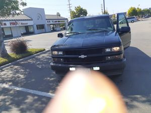 2000 Tahoe limited for Sale in Anaheim, CA