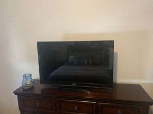 Sony Bravia 40 inch tv for Sale in Fairview, NJ