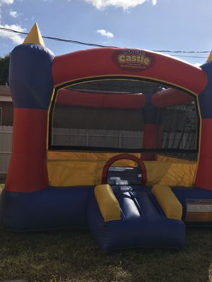 R E N T - Bounce House $60 for Sale in Hialeah, FL