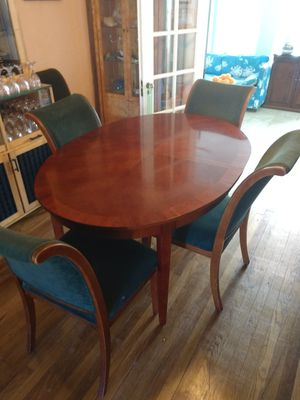 Beautiful Dinning Table and Six Matching Chairs $250 for Sale in Lake Worth, FL