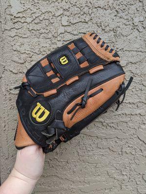 Softball glove. Basically new, not even broke in. for Sale in Glendale, AZ