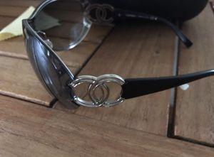 Genuine Chanel Sunglasses for Sale in Eldon, IA