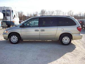 7 pass mini van loaded for Sale in Eastlake, OH