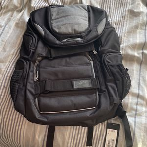 Brand New Oakley Backpack for Sale in Aliso Viejo, CA