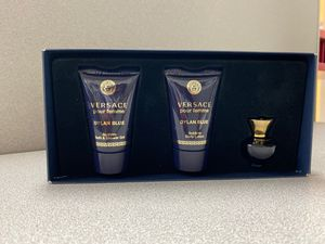 Versace Pour Femme for Sale in Buda, TX