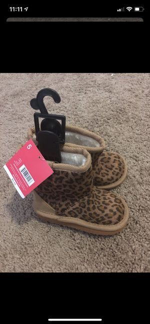 Toddler Girl Boots 4 & 5 for Sale in Homestead, FL